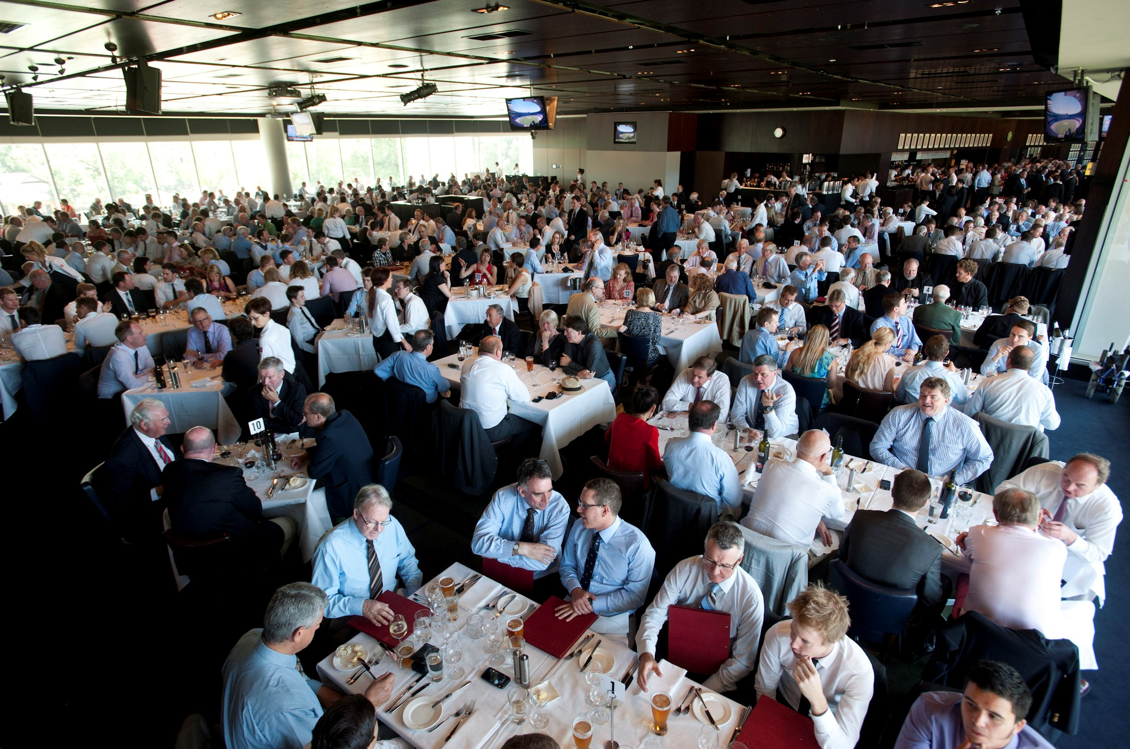 Members dining room and convenience of having multiple breakout spaces nearby and includes the percy beames bar as a complimentary pre dinner or conference catering space dzzzfo